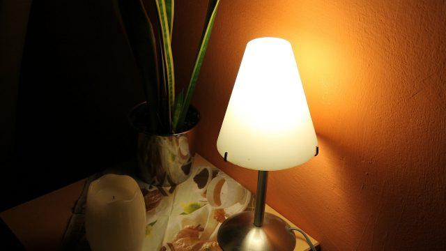 bedside-table-279727_1280